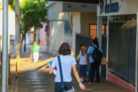 """Volta às aulas a partir de 1º de julho """"tem condições"""", afirma Marquinhos"""