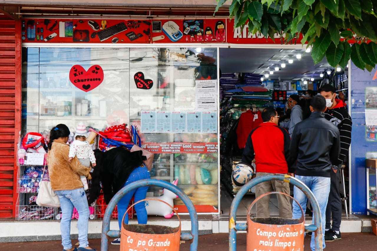 Movimentação em loja do Centro da Capital onde desentendimento ocorrou entre funcionários e clientes (Foto: Arquivo)