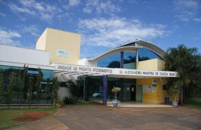 Paciente passou às 18, em casa, deu entrada às 21h35 na UPA da Vila Almeida e morreu às 22h15. (Foto: Arquivo/Campo Grande News)