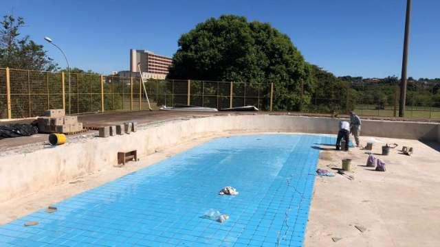 Prefeito espera entregar reforma de parques e piscinas até agosto