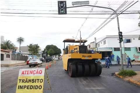Prefeitura vai recapear 25 km de ruas e avenidas nos próximos 90 dias