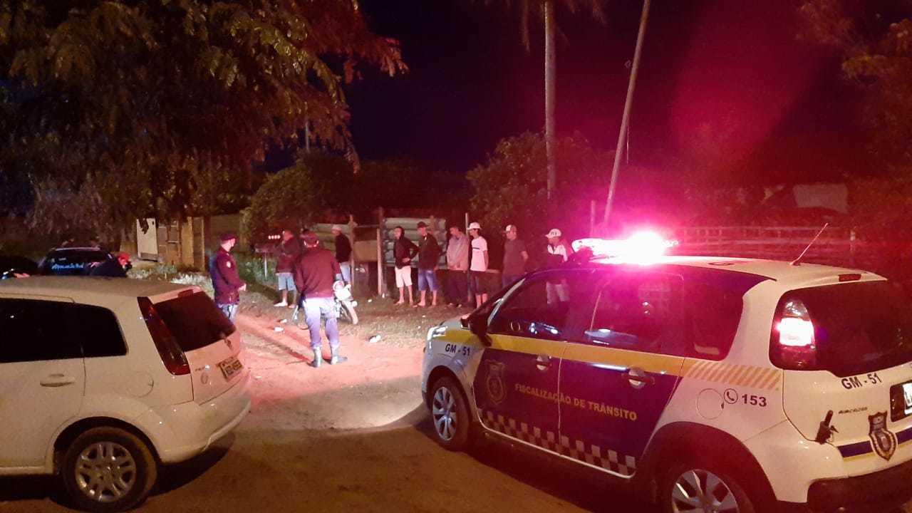Participantes de festa no Parque do Lageado sendo dispersados pela Guarda Municipal. (Foto: Divulgação/GCM)