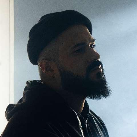 Dificuldade em abandonar relação tóxica vira nova música de Ton Alves