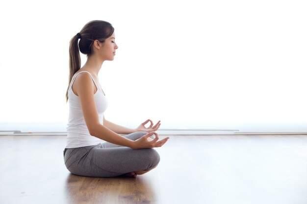 Aproveite o Dia Internacional do Yoga para se reconectar com a mente. (Foto: Freepik)
