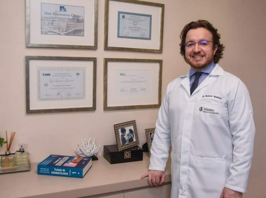 BALTAZAR SANABRIA_médico dermatologista e diretor da Clínica Sanabria (Foto: Divulgação)
