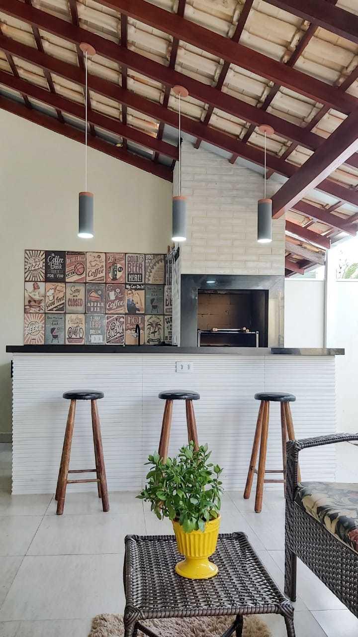 Projeto de Valéria de área gourmet em espaço pequeno de residência.