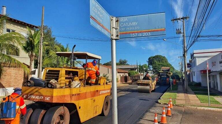 Avenida foi interditada para receber reparos nesta terça-feira (Foto: Divulgação/PMCG)