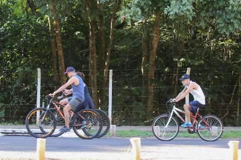 Depois de três meses, governo volta a fechar parque para atividade física
