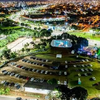 Curiosidade e nostalgia marcam a volta do Autocine na UFMS