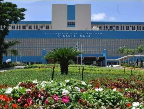 Fachada da Santa Casa de Campo Grande, maior hospital de Mato Grosso do Sul (Foto: Arquivo/Campo Grande News)