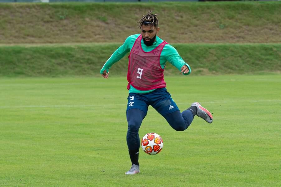 Gabriel treina com bola na preparação para enfrentar o Boavista (Foto: Divulgação)