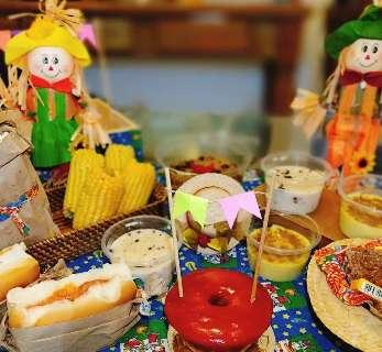 Com festa junina em caixa qualquer mês vira arraial em casa