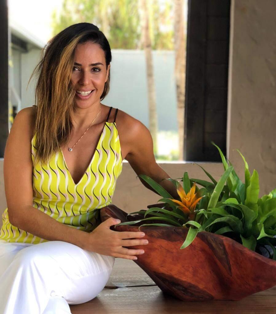 Renata é arquiteta e dá dicas de como usar as gamelas.