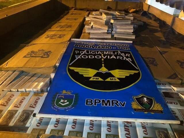 Carga de cigarro foi apreendida em 30 de junho do ano passado, em Batayporã. (Foto: Divulgação)