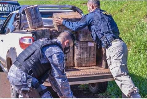 Rapaz é preso em Fiat Strada carregada com 636 quilos de maconha