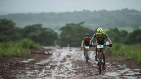 Prova internacional de mountain bike é adiada para dezembro em Costa Rica
