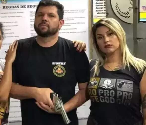 Oswaldo Eustáquio e Sara Winter, que também já foi sido presa pela PF e é investigada no mesmo inquérito (Foto: Reprodução)