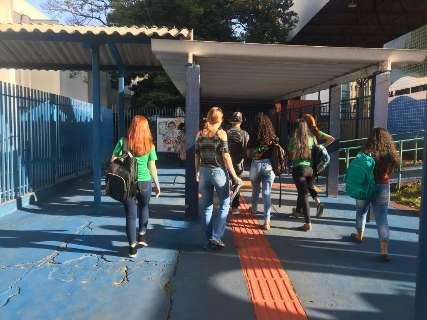 Projeto exige aferição de temperatura dos alunos após volta das aulas