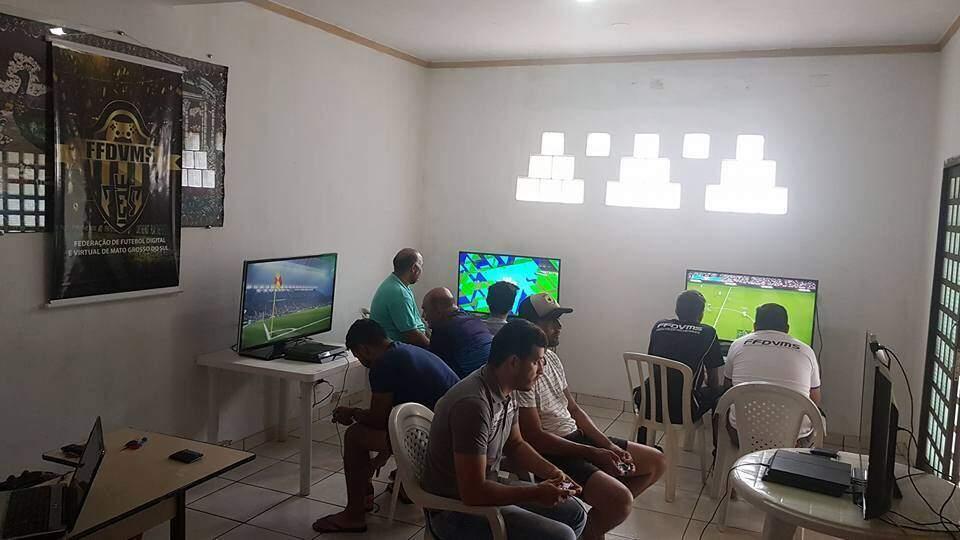Jogadores durante torneio virtual realizado em 2017 (Foto: Divulgação)