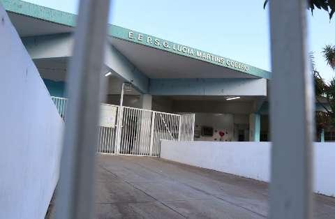 Novo drive-thru da covid vai funcionar à noite, na Escola Lúcia Martins Coelho