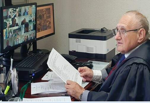 Desembargador Paschoal Carmello Leandro durante teletrabalho (Foto: TJMS)