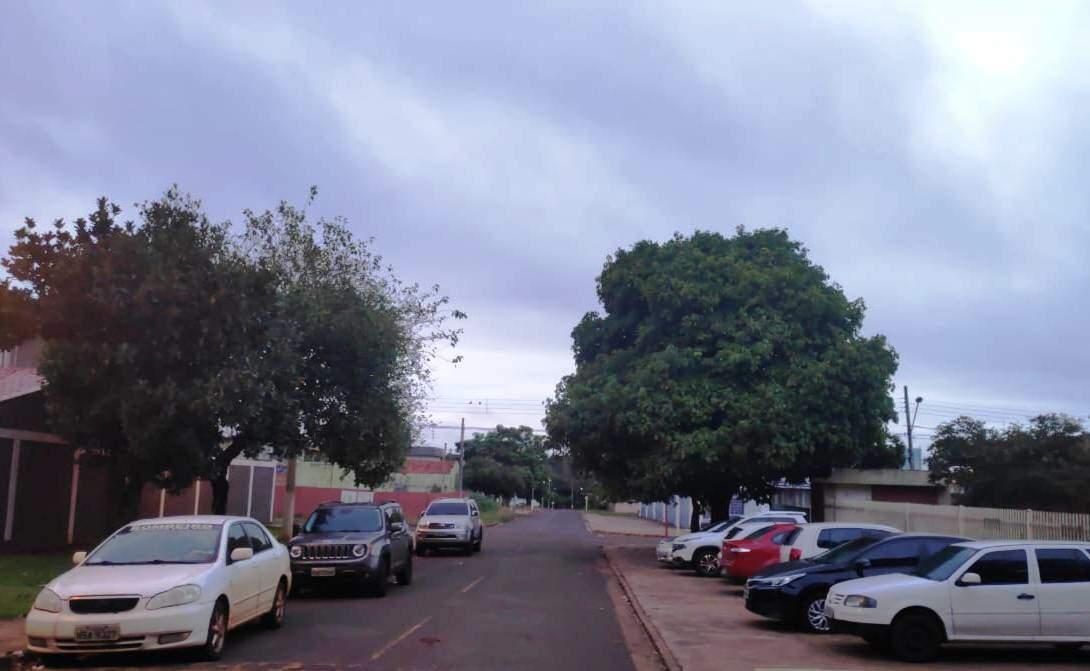 Dourados tem manhã nublada e com previsão de frio mais intenso a partir desta quinta (Foto: Adilson Domingos)