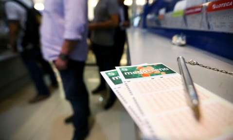 Mega-Sena pode pagar R$ 33 milhões nesta noite; confira os números sorteados