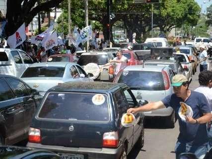 Nem pandemia deve acabar com tradição de cabos eleitorais durante campanha