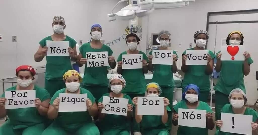 Apesar dos apelos de todos os lados, inclusive de campanha feita no início da pandemia por profissionais de saúde, baixa taxa de isolamento fez número de casos explodir (Foto: Facebook/Reprodução)