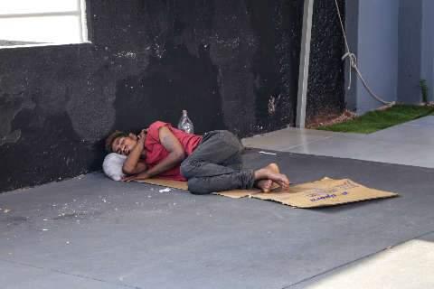 Desde o início da pandemia 700 moradores de rua foram levados para abrigos