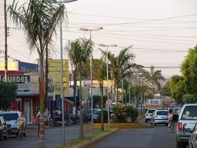 Ruas do centro de Rio Brilhante, que já tem dois óbitos provocados pela covid-19. (Foto: Divulgação)