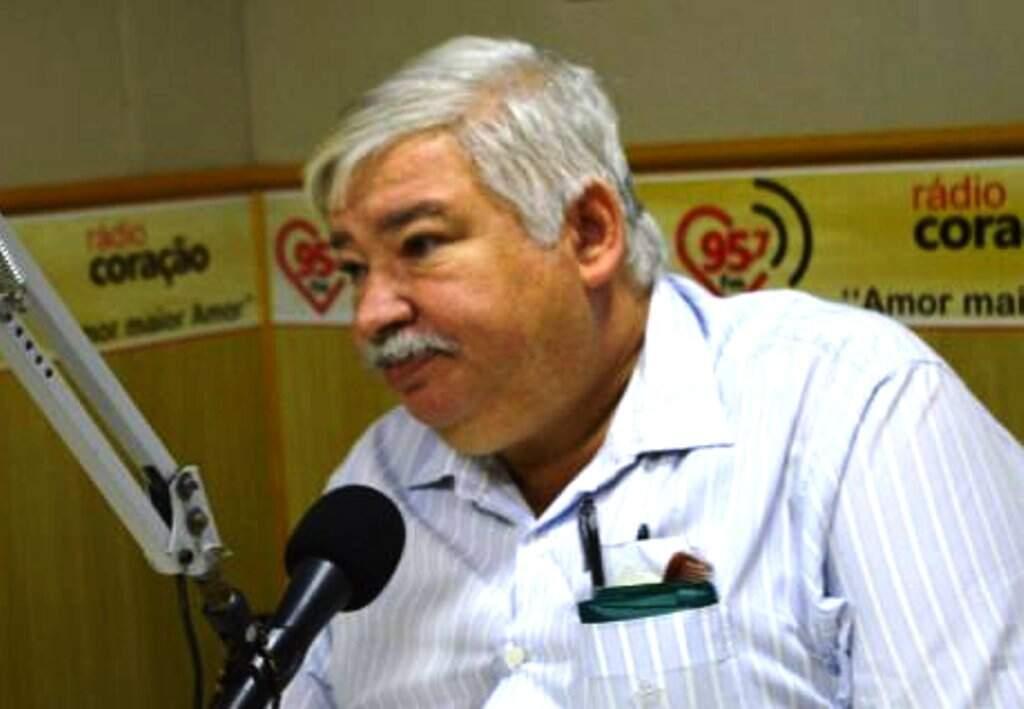 O médico Antonio Carlos Monteiro morreu hoje em Dourados (Foto: Rádio Coração)