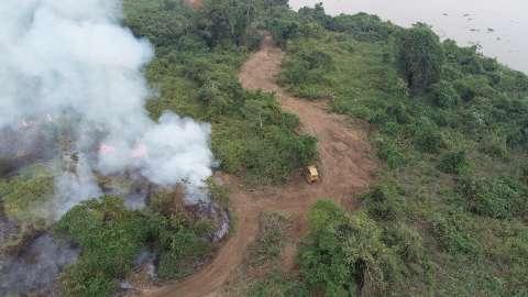 Força-tarefa controla focos de incêndio na região do Paraguai-Mirim
