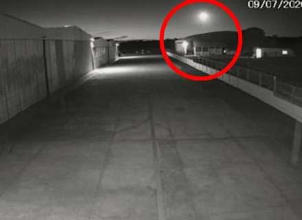 Passagem de meteoro é flagrada próximo do Aeroporto Santa Maria