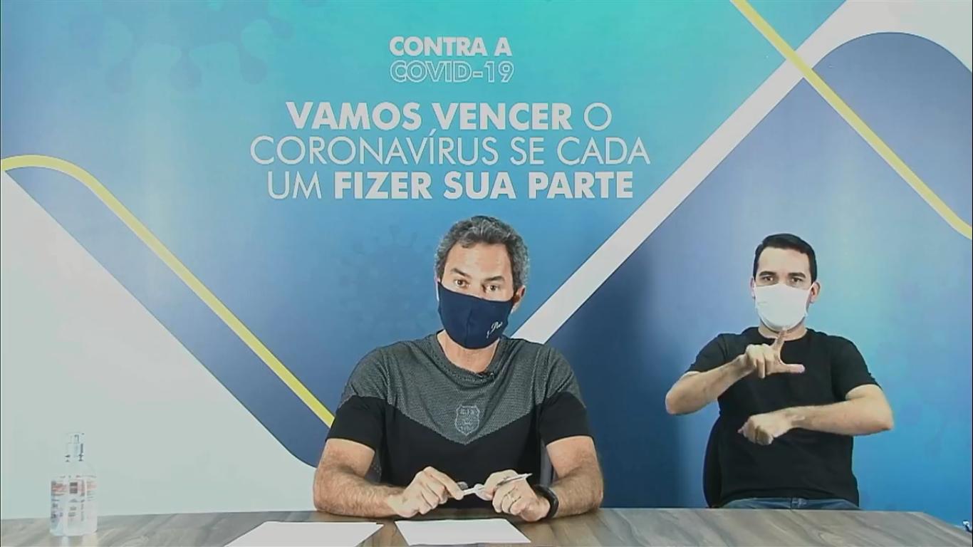 """Compra do """"kit prevenção"""" foi anunciada na manhã deste sábado (11) em live no Facebook. (Foto: Reprodução)"""