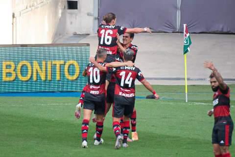 Flamengo vence Fluminense por 2 a 1, mas fica sem Gabigol para jogo de volta