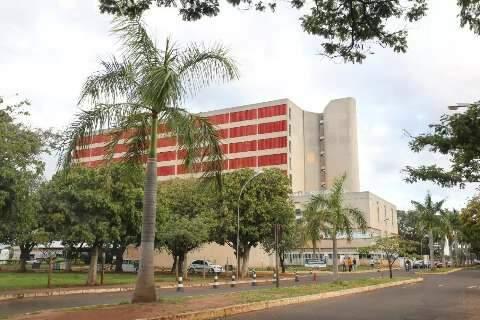Lotado, HR transfere oito pacientes da UTI da covid para rede particular