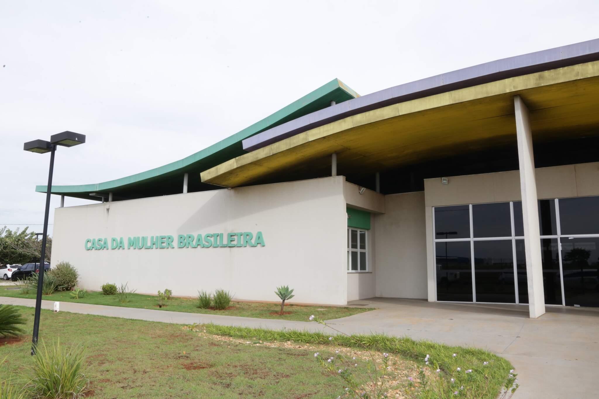 Caso foi registrado na Delegacia de Atendimento à Mulher, na Casa da Mulher Brasileira. (Foto: Arquivo/Kisie Ainoã)