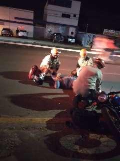 Batida entre motos deixa 3 homens ferido em cruzamento da Avenida Tamandaré