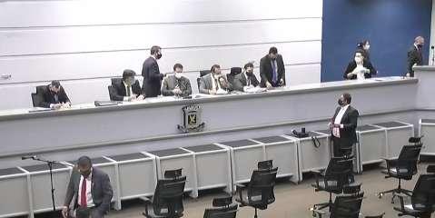 """Na volta da palavra livre, médicos defendem """"kit prevenção"""" na Câmara Municipal"""