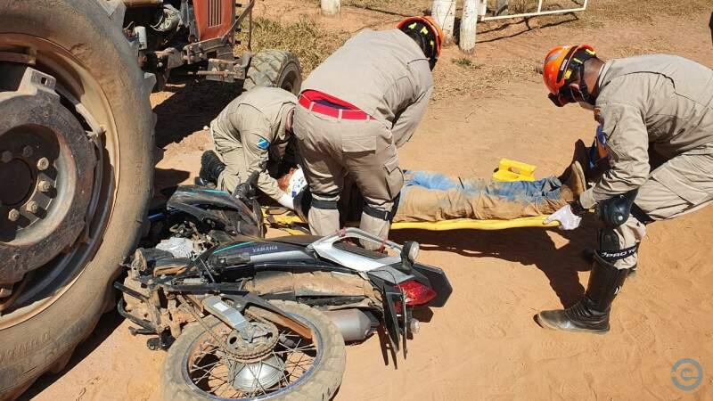 Vítima foi socorrida para o Hospital da Cassems (Foto: PC de Souza)