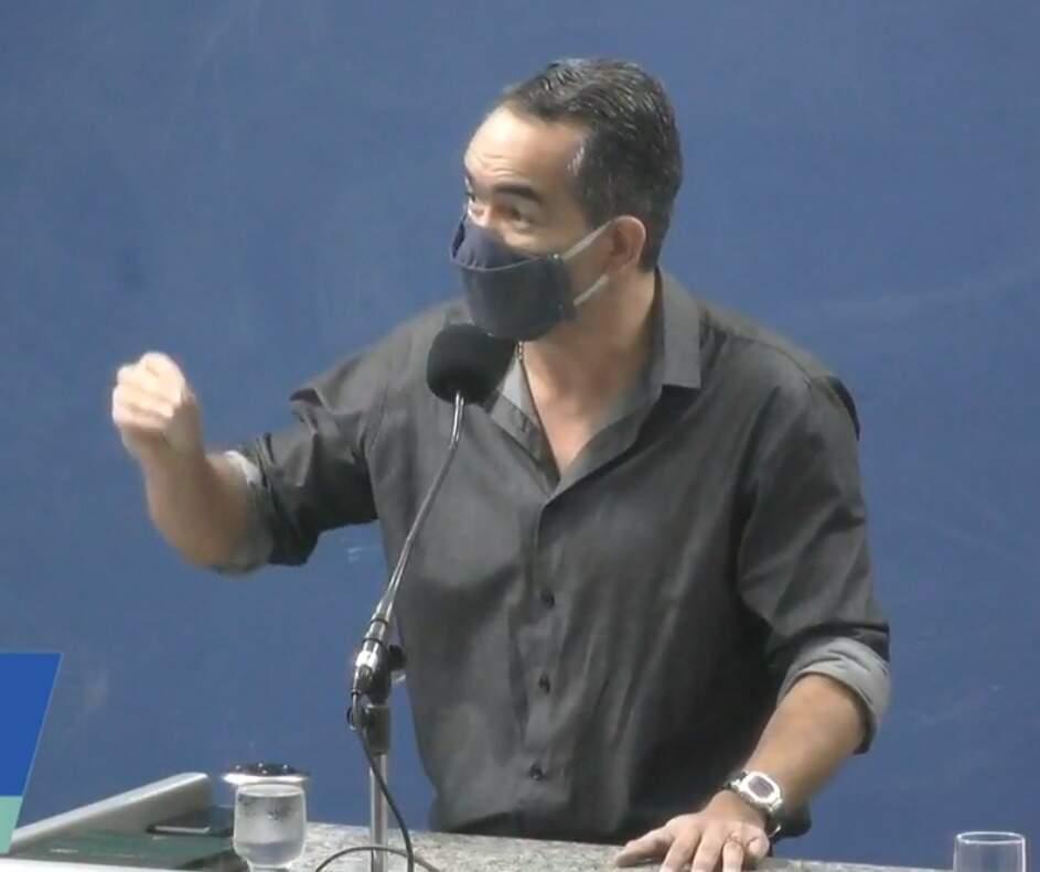 Sandro Benites, um dos primeiros a defender uso dos medicamentos (Foto/Reprodução)