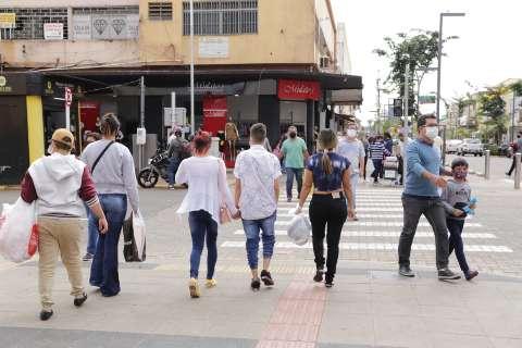 Prefeitura vai fechar comércio às 17h e restringir atividades no fim de semana