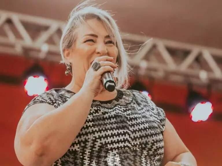 A cantora Juci Ibanez vai animar a noite desta quinta-feira, fazendo show virtual. (Foto: Divulgação/Arquivo cgnews)