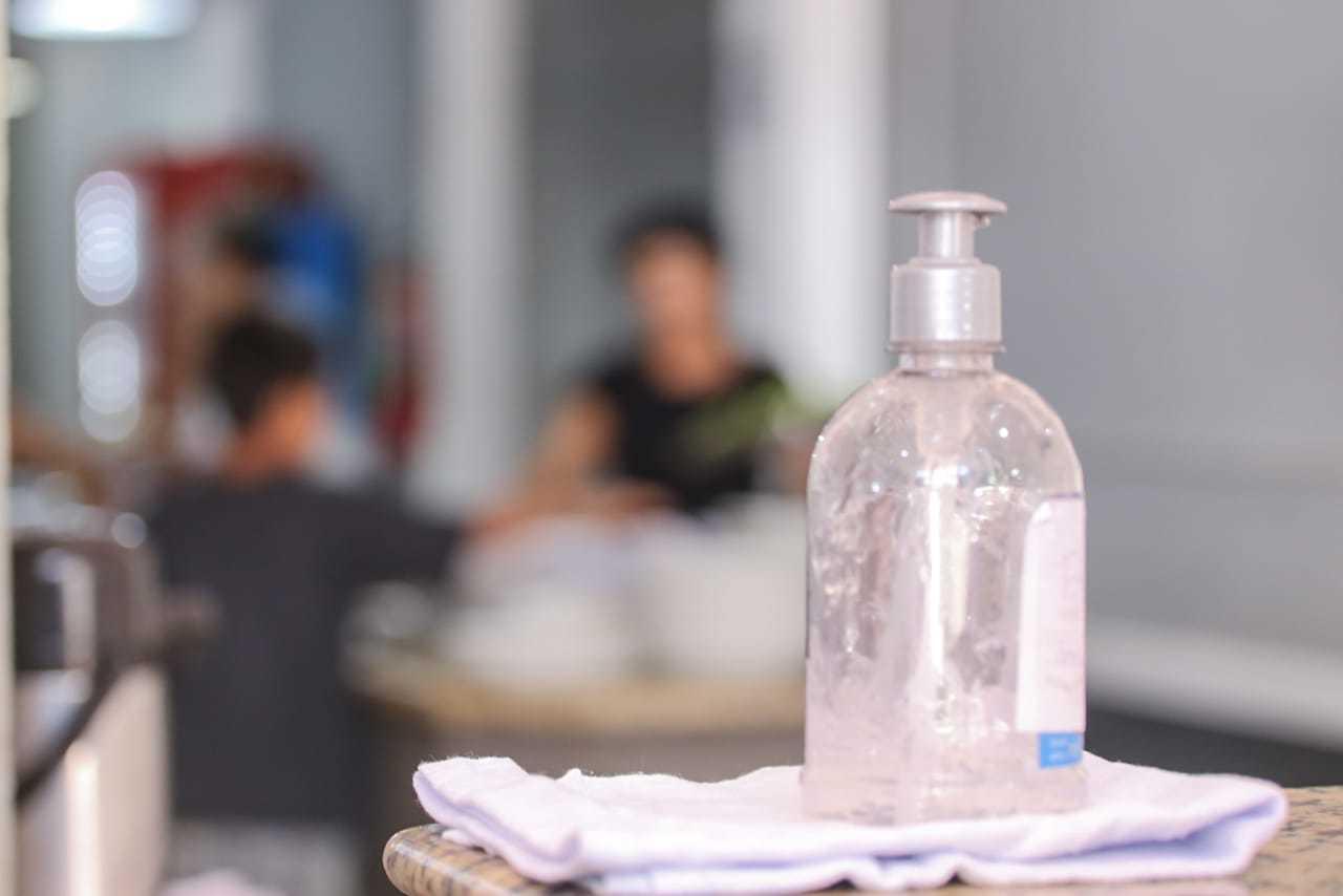 Restaurantes localizados em rodovias devem respeitar medidas sanitárias, como uso de álcool em gel (Foto/Arquivo)