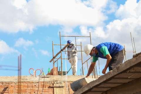Na lista de essenciais de lei federal, Construção Civil está vetada na Capital