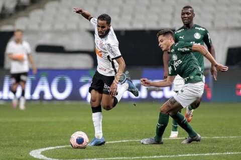 Com gol de Gil, Corinthians vence o Palmeiras por 1 a 0 em jogo sem público