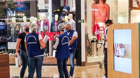 Comitê defende fechamento de shoppings, academias e salões de beleza na Capital