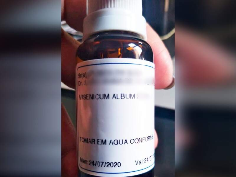 Remédio homeopático que foi prescrito para auxiliar no tratamento da covid (Foto/Divulgação)