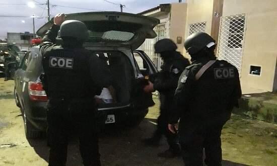 Grupo da PM (Polícia Militar) de Sergipe cumpre mandado na Operação Flashback contra o PCC (Foto/Divulgação)